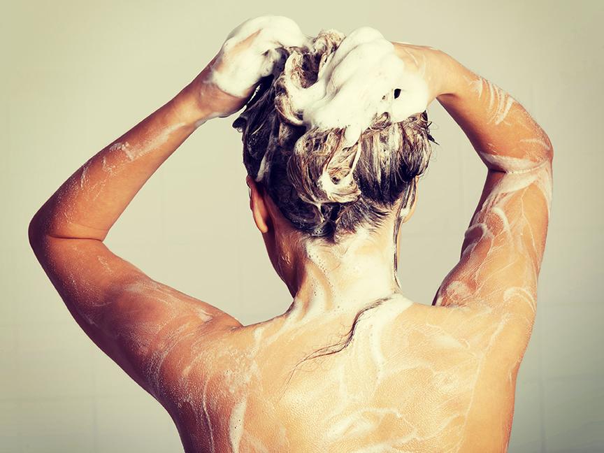 Qual a função do shampoo para os cabelos?