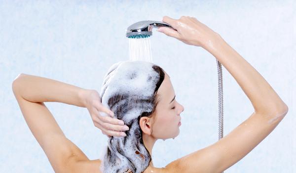 Você lava os cabelos da forma certa?