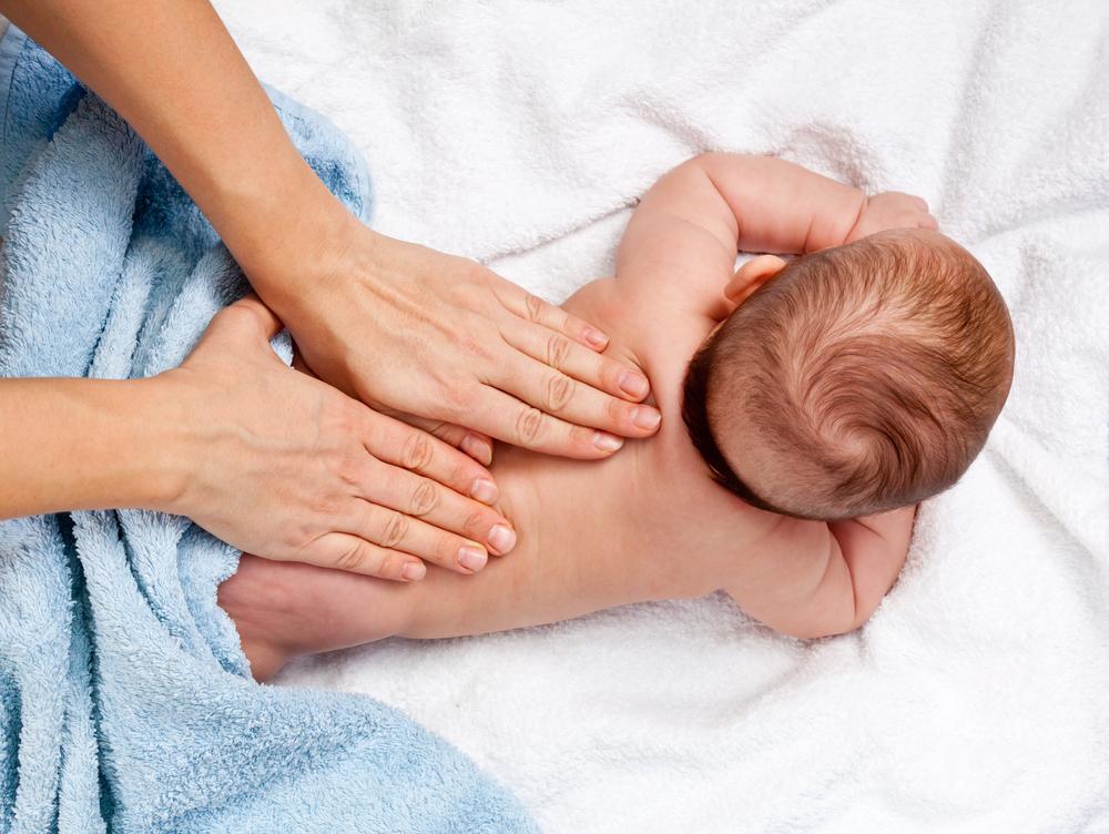 Shantala, descubra como massagear seu bebê em casa