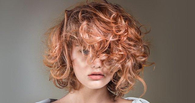 Cherry blonde é o tom rosinha-pêssego que você vai querer usar neste momento!