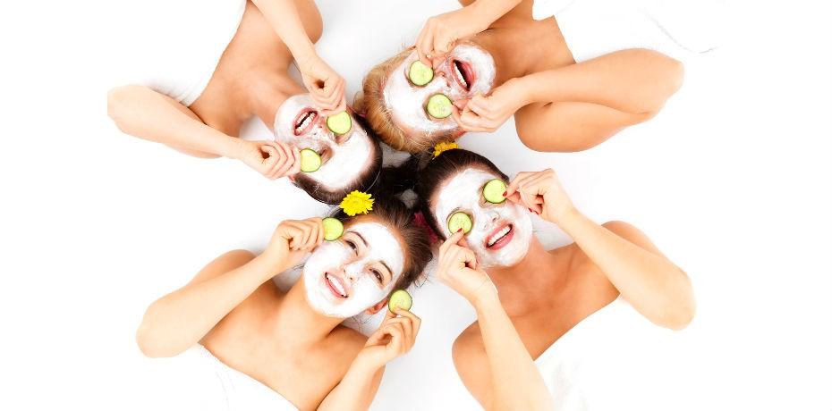 Como cuidar da pele pós-carnaval: aprenda a fazer um detox do rosto e confira dicas para disfarçar olheiras e inchaço