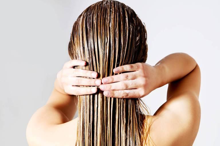 Quarentena: 4 dicas para manter a beleza dos cabelos em casa