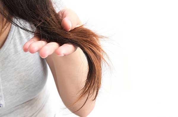 Descubra como é possível evitar pontas duplas no cabelo