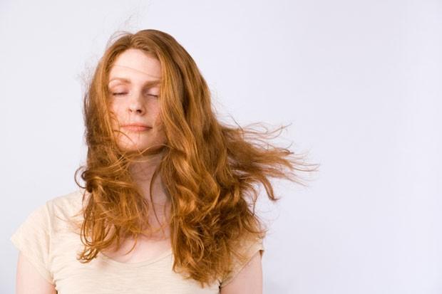 5 dicas para diminuir o frizz no cabelo