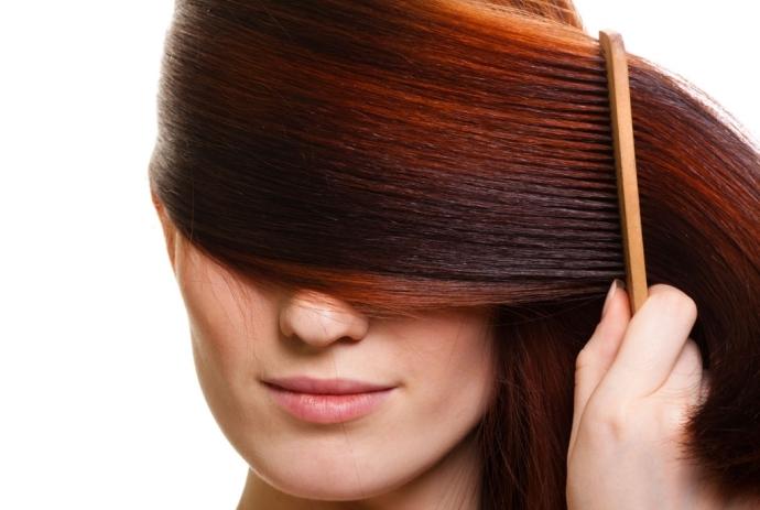Cuidados com os cabelos no verão: dicas para evitar fios desbotados