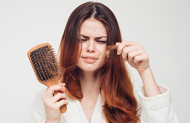 Queda de cabelo: razões pelas quais isso pode estar acontecendo (incluindo a pandemia)